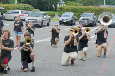 Blowing horns